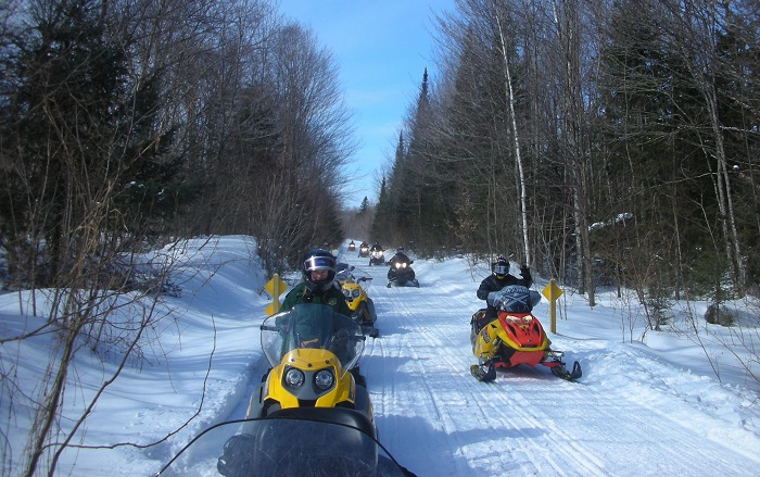 Snowmobiles on the Northern Rail Trail